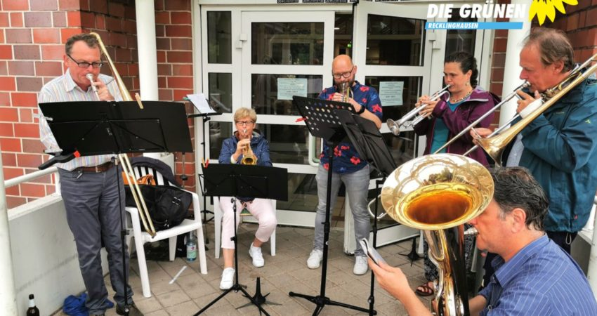 Blasmusik für ältere Menschen Seniorenheim Grullbad